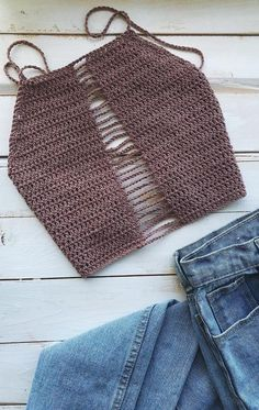 , Quick and Easy Interlocking Beautiful Crochet Summer Tops Free Patterns 2019 - Page 7 of 47 - womenselegance. , Quick and Easy Interlocking Beautiful Crochet Summer Tops Free Patterns 2019 - Page 7 of 47 Crochet Summer Tops, Crochet Crop Top, Crochet Tops, Mode Crochet, Knit Crochet, Crochet Bikini Pattern, Crochet Patterns, Crochet Clothes, Diy Clothes