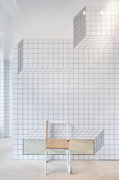 Third collaboration between Camper and Tomás Alonso is this stunning shop in Glasgow, with the ceramic tile system that creates geometrical patterns. Camper Store, Mini Bars, Black Grout, Retail Interior, Retail Space, White Tiles, Shop Interiors, Commercial Interiors, Retail Design