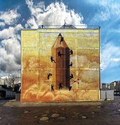 Version animada: alcrego.tumblr.com/post/110646593891/divine-intervention-...  Mural por Sokram, en Carballo, España. www.sokram.org