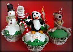 Christmas Cupcakes by Pamela (12/14/2012)  View details here: http://cakesdecor.com/cakes/40061
