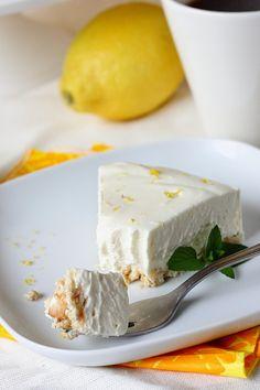Suklaapossu: Järisyttävän hyvä sitruuna-juustokakku / ilman liivatetta Dessert Drinks, Dessert Recipes, Desserts, Sweet Bakery, Piece Of Cakes, Sweet And Salty, Cakes And More, Diy Food, No Bake Cake