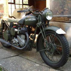Motorcycle Dirt Bike, Motorcycle Engine, British Motorcycles, Vintage Motorcycles, Honda Cbx, Rv Truck, Abandoned Train, Classic Bikes, Royal Enfield