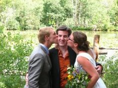 http://thebridescoop.com/planning/tip-tuesday-not-religious-have-friend-become-officiant/