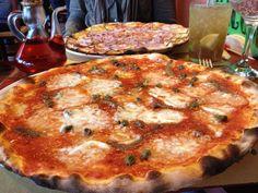 Pizza at Macondo in Sant Ferran #macondo