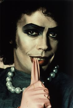 tim curry the rocky horror picture show . I will be Frank for Halloween. I will be one fierce bitch Rocky Horror Show, The Rocky Horror Picture Show, Dr Frankenfurter, Costume Makeup Tutorial, Tim Curry, Arte Horror, Shows, Great Movies, Halloween Costumes