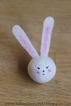 Kifli és levendula: Nyuszi ül a répában Needle Felted Animals, Felt Animals, Needle Felting, Bunny Crafts, Easter Crafts, Happy Easter, Easter Bunny, Funny Eggs, Decoration