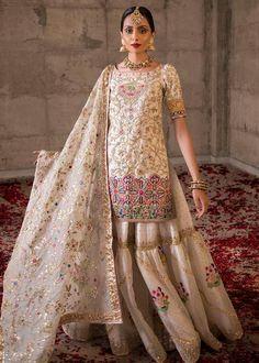 Pakistani Bridal Couture, Pakistani Wedding Outfits, Indian Bridal Outfits, Indian Designer Outfits, Pakistani Dresses, Shadi Dresses, Bridal Lehenga, Gharara Designs, Kurti Designs Party Wear