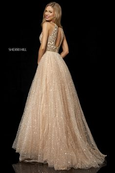Gorgeous prom dresses to make your prom night one to remember. Shop short & long designer prom dresses & gowns from Dress 2 Party across the UK. Sherri Hill Prom Dresses, Prom Dress Stores, Homecoming Dresses, Bridesmaid Dresses, Quinceanera Dresses, Elegant Dresses, Pretty Dresses, Designer Prom Dresses, Prom Looks