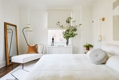 Jeremiah Brent, White Bedroom Design, Bedroom Neutral, Manhattan Apartment, Contemporary Bedroom, Modern Bedroom, Architectural Digest, Home Decor Trends, White Walls