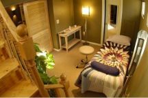 Healing Room- Reiki, Chakra Balancing, Crystal Healing & more. Available for rent. http://www.avalaura.com