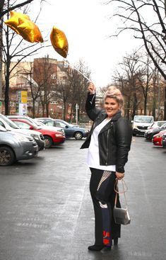 The coolest Curvy Streetstyles from berlin! Curvy Fashion, Plus Size Fashion, Curvy Street Style, View Photos, Berlin, People, Shopping, Instagram, Fashion Plus Sizes