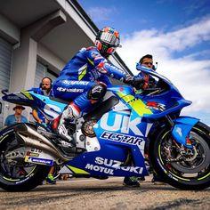 Boys Leather Jacket, Motosport, Racing Motorcycles, Bmw Cars, Road Racing, Motogp, Motorbikes, Yamaha, Crotch Rockets