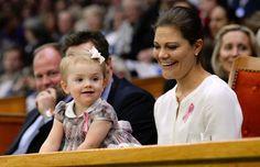 Acompañada de sus padres, los príncipes Victoria y Daniel, la princesa Estelle de Suecia acaparó todas las miradas en el Abierto de tenis de Estocolmo
