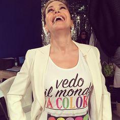 #BarbaraDUrso Barbara D'Urso: Buongiorno!! E anche se a Milano piove abbiamo il sole dentro!! ☀️☀️☀️☀️☀️ #tantopoiesceilsole #colori #vita #segreto #buongiorno #evviva #pomeriggio5 #DomenicaLive #milano #sole #pictoftheday