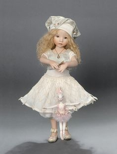 DIANA EFFNER 1990: Porcelain. Jamestown, MO. USA....  Diana's dolls are so sweet!