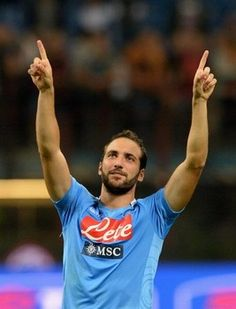 Gonzalo Higuain wants to make history with SSC Napoli. READ more at http://www.examiner.com/article/gonzalo-higuain-wants-to-make-history-with-ssc-napoli