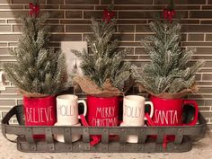 Merry Little Christmas, Noel Christmas, All Things Christmas, Winter Christmas, Christmas Crafts, Christmas Ideas, Farmhouse Christmas Decor, Country Christmas, Coffee Table Christmas Decor