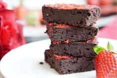 This is a recipe for the Healthy Strawberry Brownies: a high in protein, low sugar and low-fat, super-gooey and full of flavor all-natural dessert!