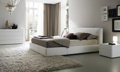 modern-bedroom-rug-curtain