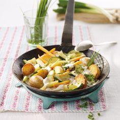 4 ProPoints // 4 SmartPoints Zubereitungsdauer: 15 min Garzeit: 30 min Weitere Zeit: 0 min Portionen: 4 Zutaten 600 g Kartoffeln, Drillinge (kleine Kartoffeln) 1 Prise(n) Jodsalz 1 Knolle(n) Kohlrabi 3 Stück Karotten/Möhren 1 Stück Zucchini 3 Stück