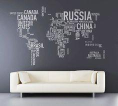 Eles estampam paredes, globos, quadros e até cadeiras. Deixe o seu lado viajante à mostra com estas 27 maneiras de usar mapas-múndi na decoração. Design Hotel, House Design, Map Design, Design Room, Design Ideas, Graphic Design, World Map Wall Decal, Wall Maps, Word Map