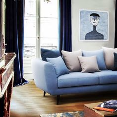 Szeretjük a kanapékat és a #kék ég színét! - We love #sofas and the #blue colour of the sky! #kanapé #ülőgarnitúra #bútor #sofa #nappali…