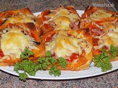 Dumplings, Easy Cooking, Lasagna, Baked Potato, A Table, Hamburger, Meal Prep, Sandwiches, Brunch