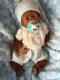 Bébé reborn poupée singe binki fermement enraciné cheveux pondérée cils orang-outang   eBay Avatar Babies, Floral Nikes, Reborn Baby Dolls, Orangutan, Monkeys, Children, Dresses, Monkeys Animals, Emoticon Love