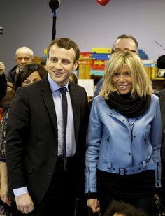 Emmanuel Macron, accompagnéde sa femme Brigitte le 14 janvier 2017