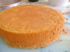 *TUTTO DOLCI*: Bolo de pão de ló com recheio de mousse de morango e olho de sogra!