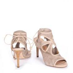 e40a4139227 Sandalia abotinada Pedro Miralles en ante beige lazada  shoes  shoeporn   peeptoes  trends