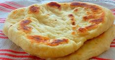Quick Langosch filled with cheese - no yeast dough, in just 10 minutes . Fun Pizza Recipes, White Pizza Recipes, Pastry Recipes, Cream Recipes, Gourmet Recipes, Vegan Recipes, Cooking Recipes, Deep Dish Pizza Recipe, Puff Recipe