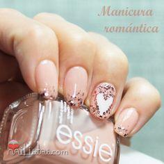 manicura-romantica-corazones-san-valentin
