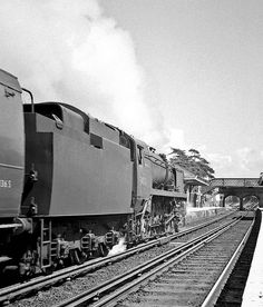A 'West Country' Pacific thunders through New Milton on a Bournemouth to Waterloo express. Diesel Locomotive, Steam Locomotive, Southern Trains, Heritage Railway, Steam Railway, Bullen, British Rail, Battle Of Britain, Going Away