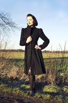 Emmy | 40s Girly Swirlie swing coat