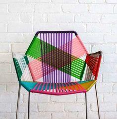 Renkli iplerle örülmüş sandalyeler, son birkaç yıldır tasarımcıların gözdesi