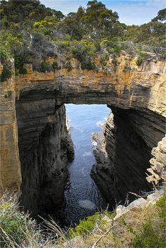 Hidden Away in the Scenic Beauty of the Natural Bridge Around the World Eaglehawk Neck – Tasmanien, Australien Places Around The World, Around The Worlds, Beautiful World, Beautiful Places, Landscape Photography, Nature Photography, Travel Photography, Night Photography, Landscape Photos