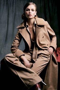 Осень-зима 2004, Культовые пальто Max Mara едут в Сеул