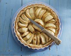 Waar in Frankrijk speelt de appel de meest prominente rol? Boomgaarden vol met appels, op het menu klassiekers - zoals deze ouderwets lekkere tarte - en een overvloed aan cider en calvados in de winkels. Allemaal te vinden in Normandië, natuurlijk.