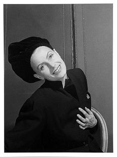 Cecil Beaton met Garbo for the first time in the early 1930s but not until the mid 1940s they started a close friendship and an rumoured affair.    Beaton made pictures of Garbo from 1946 to 1966. The complete archive of the photographs of Cecil Beaton is now copyrighted to Sotheby's.  Hotel Plaza, NY, 1946.