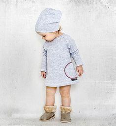 Kindkleid mit farbigen Knöpfen von mamatu auf DaWanda.com