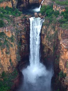 Jim Jim Falls, Kakadu National Park in the Northern Territory of Australia Outback Australia, Australia Travel, Iconic Australia, Western Australia, Kakadu National Park, National Parks, Wonderful Places, Beautiful Places, Grand Canyon