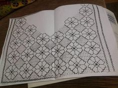This post was discovered by Gü Kasuti Embroidery, Swedish Embroidery, Hand Embroidery Stitches, Hand Embroidery Designs, Ribbon Embroidery, Cross Stitch Embroidery, Embroidery Patterns, Blackwork Patterns, Zentangle Patterns