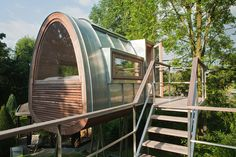 A small sapling (get it?) of the luxury tree house trend.