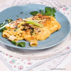 Nudelomelett » Kochrezepte von Kochen & Küche Macaroni And Cheese, Ethnic Recipes, Food, Browning, Recipes With Eggs, Omelet, Noodle, Easy Meals, Mac And Cheese