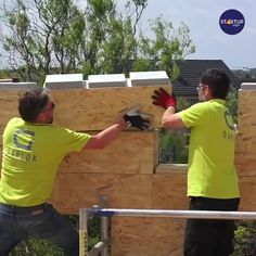 Container House Design, Small House Design, Diy Wood Projects, Home Projects, Building A Wooden House, Casa Lego, Build Your Own House, Cool Inventions, Useful Life Hacks