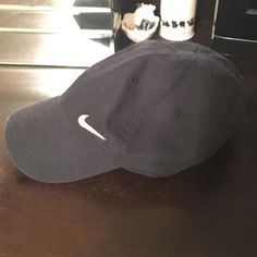 Women s black nike hat Perfect condition! Bought but never wore Nike  Accessories Hats Black Nikes 88606d3d613