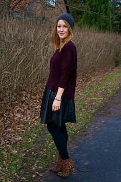 Leather skirt, burgundy sweater and leopard boots: http://www.kathrinerostrup.dk/2013/12/casual-christmas/