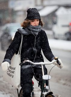 https://flic.kr/p/e5w4ec | Copenhagen Bikehaven by Mellbin - Bike Cycle Bicycle - 2013 - 0655 | The Snow Queen
