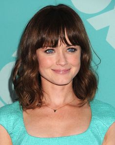 Alexis Bledel. Clear tints to face, under the chin.Middle to litle bit higher contrast, but not so high as Clear Winter.